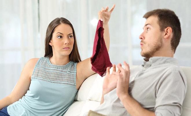 жена подозревает мужа в измене