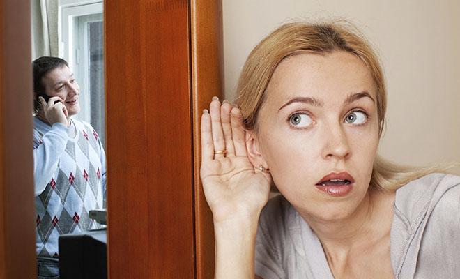 жена подслушивает мужа