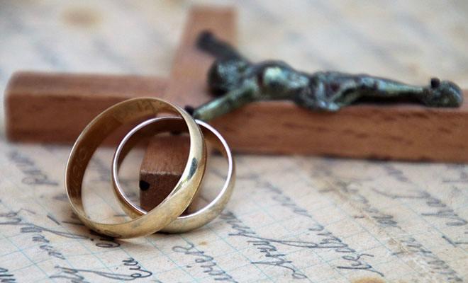 кольца и крест